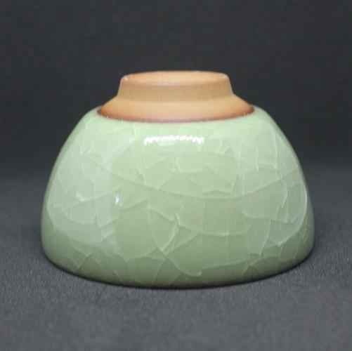 celadon-gruen